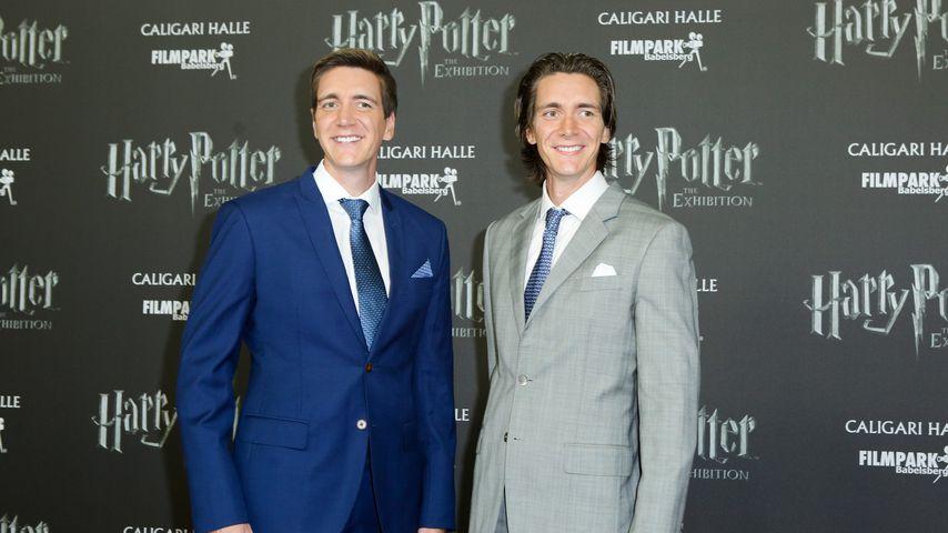 """Oliver und James Phelps bei einer """"Harry Potter""""-Ausstellung"""