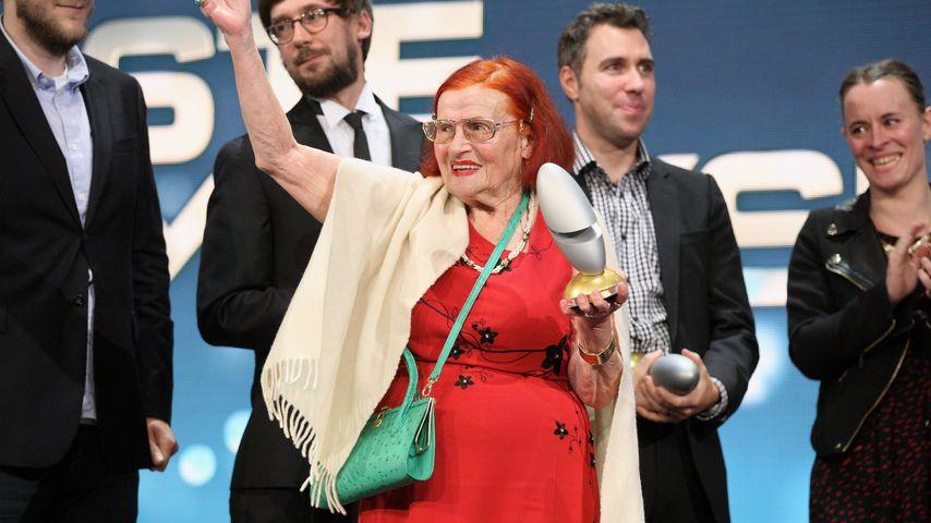 Oma Violetta beim deutschen Comedypreis 2013