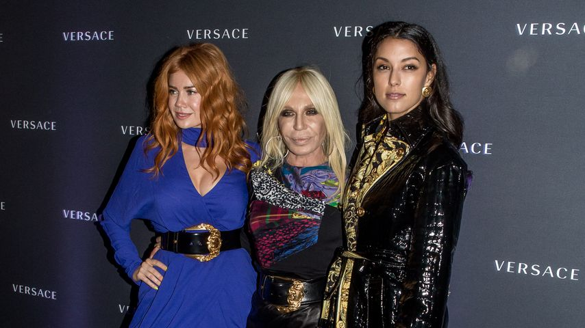 Fangirl-Moment: Hier trifft Rebecca Mir Donatella Versace!