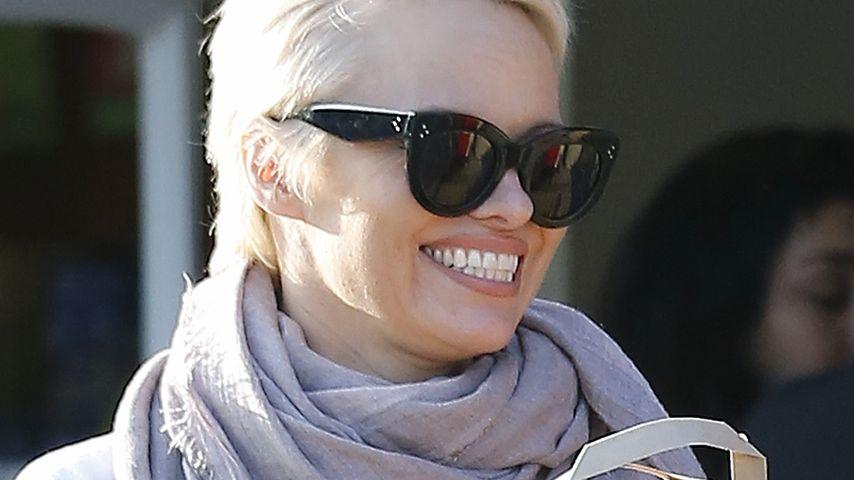 Back to Blonde: Pam Andersons Haare wieder erhellt