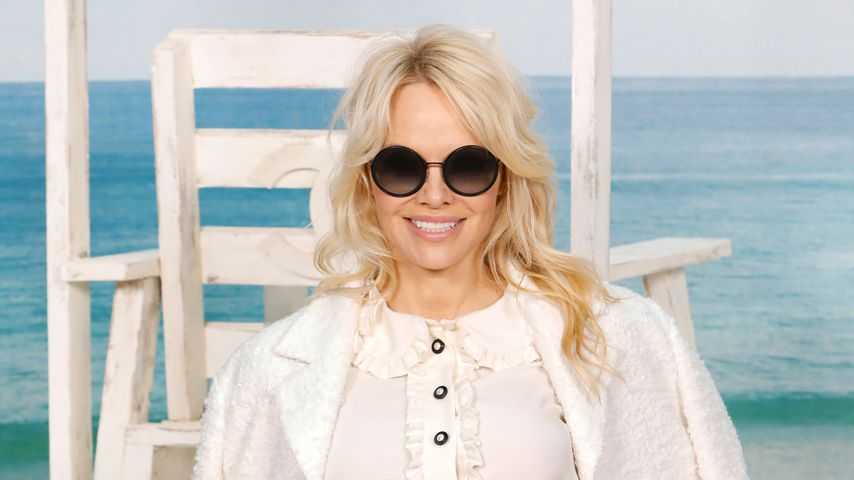 Pamela Anderson auf der Paris Fashion Week 2018