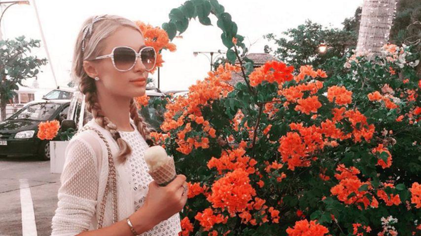 Eis & Blumen: So heiß verbringt Paris Hilton den Winter