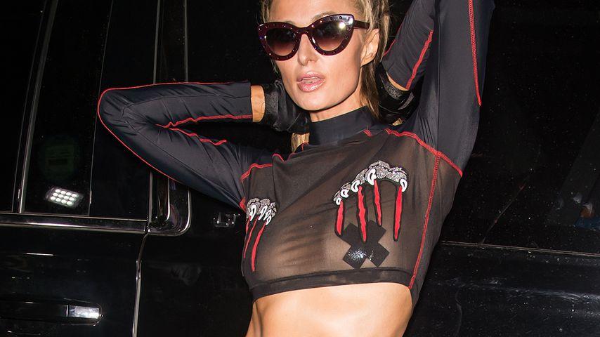 Transparenter Fashion Week-Style: Paris Hilton zeigt Busen!