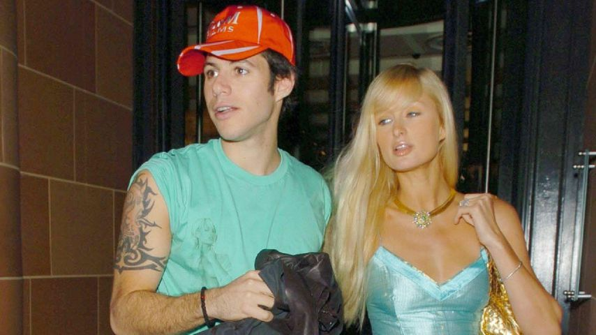 Paris Latsis und Paris Hilton in London 2005