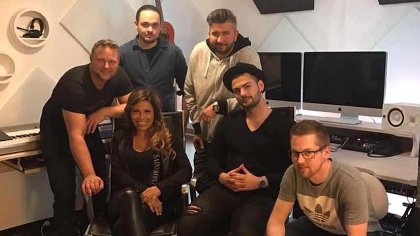 Patricia Blanco mit ihrer Crew im Tonstudio