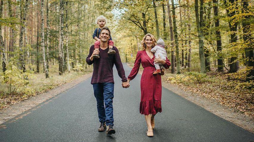 Peer und Janni Kusmagk mit ihren Kindern Emil-Ocean und Yoko