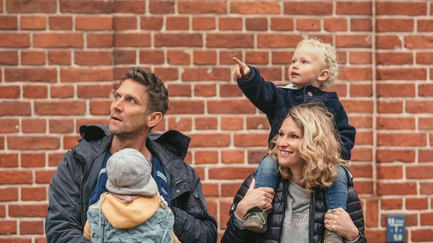 Peer und Janni Kusmagk mit ihren Kindern Yoko und Emil-Ocean