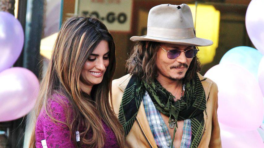 Penelope Cruz und Johnny Depp im April 2011