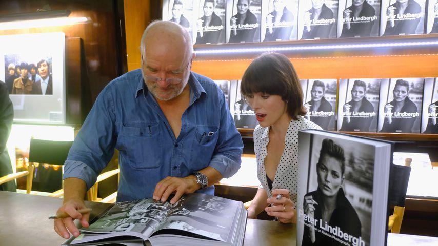 Milla Jovovich und ihre Tochter machen einen Ausflug auf den