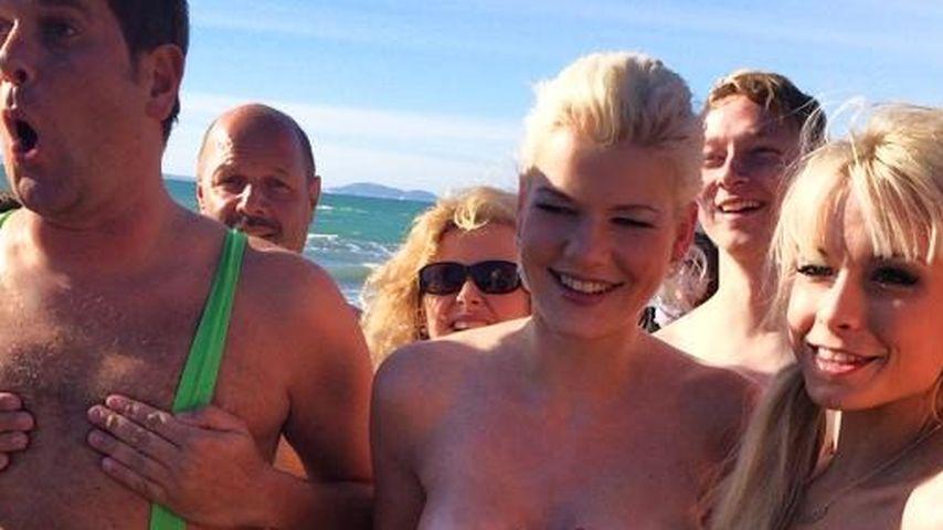 Nacktbaden: Mia Julia & Melanie Müller oben ohne
