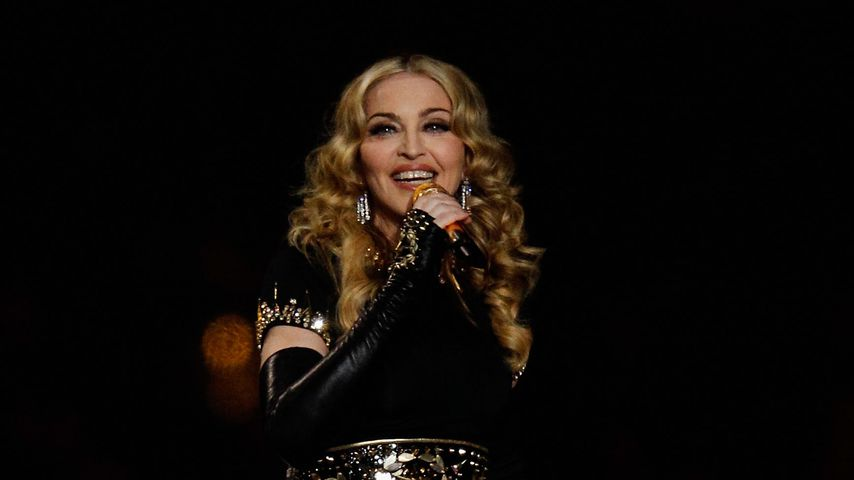 Voll verknallt: Madonnas Sohn Rocco zeigt seine Freundin