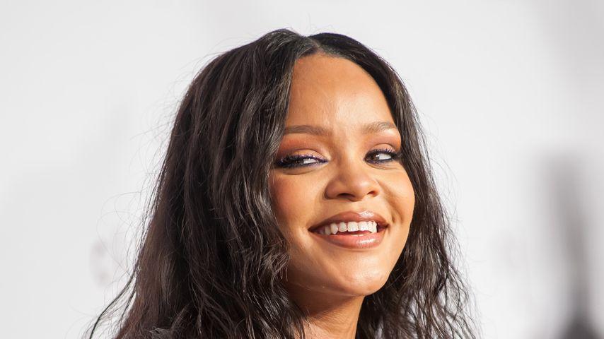 Popstar Rihanna auf dem roten Teppich beim Diamond-Ball