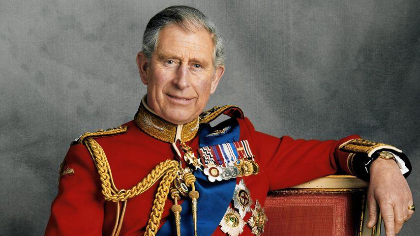 Krönung der Queen: Prinz Charles ließ fast die Krone fallen