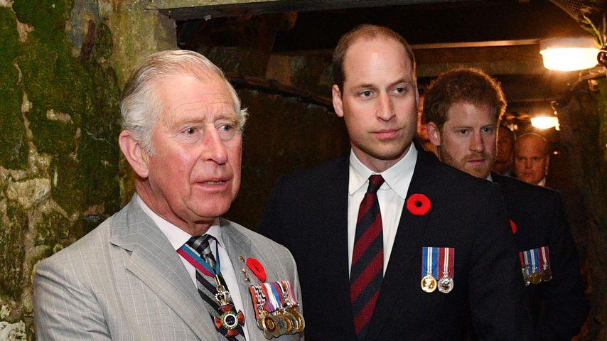 Prinz Charles mit seinen Söhnen Prinz William und Prinz Harry
