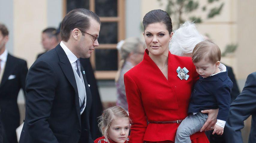 Prinz Daniel, Prinzessin Estelle, Prinzessin Victoria und Prinz Oscar bei Prinz Gabriels Taufe