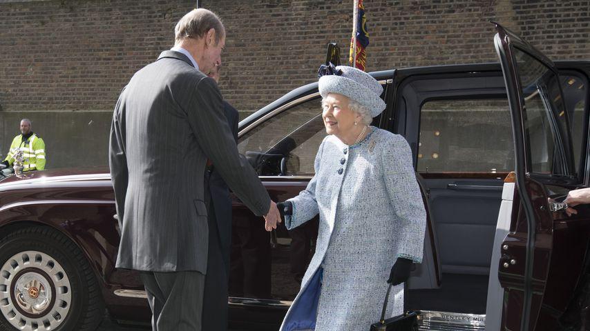 Prinz Edward, der Herzog von Kent, und Queen Elizabeth II.