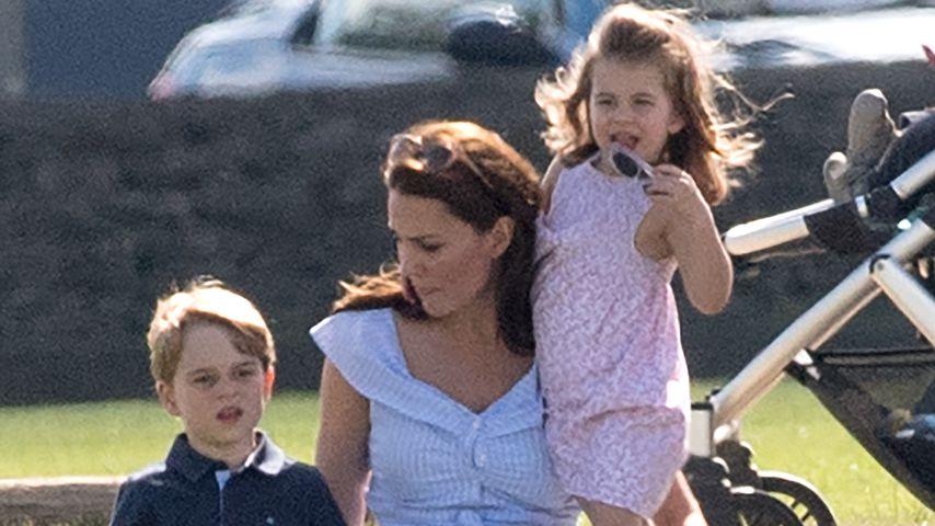 Belohnung: Kate ging mit George & Charlotte ins Schwimmbad!