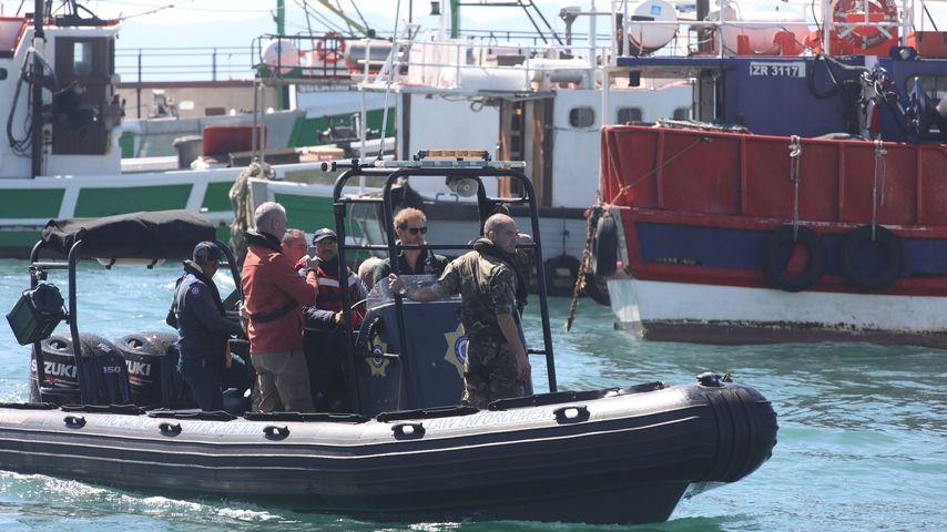 Einmal ohne Meghan: Prinz Harry alleine auf Boot unterwegs!