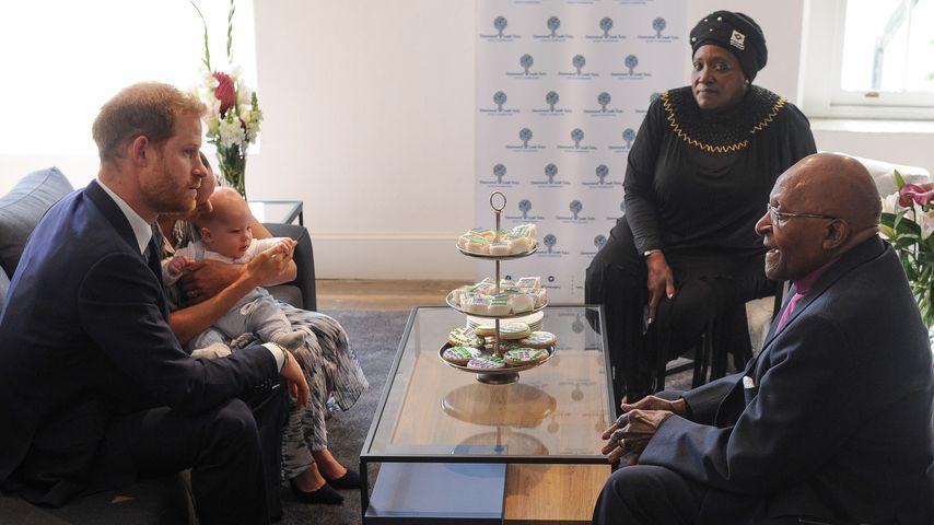 Prinz Harry, Herzogin Meghan und Baby Archie zu Besuch bei Desmond Tutu
