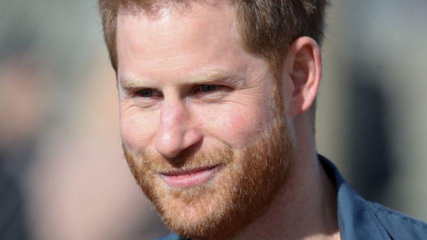 Bei Video-Anruf: Prinz Harry gebräunt und tiefenentspannt!