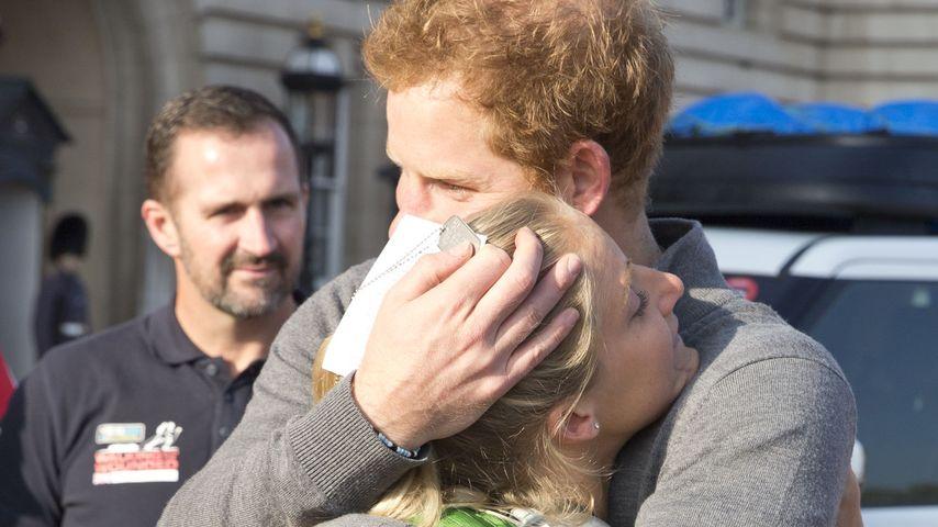 Emotional: Prinz Harry weint mit britischer Soldatin