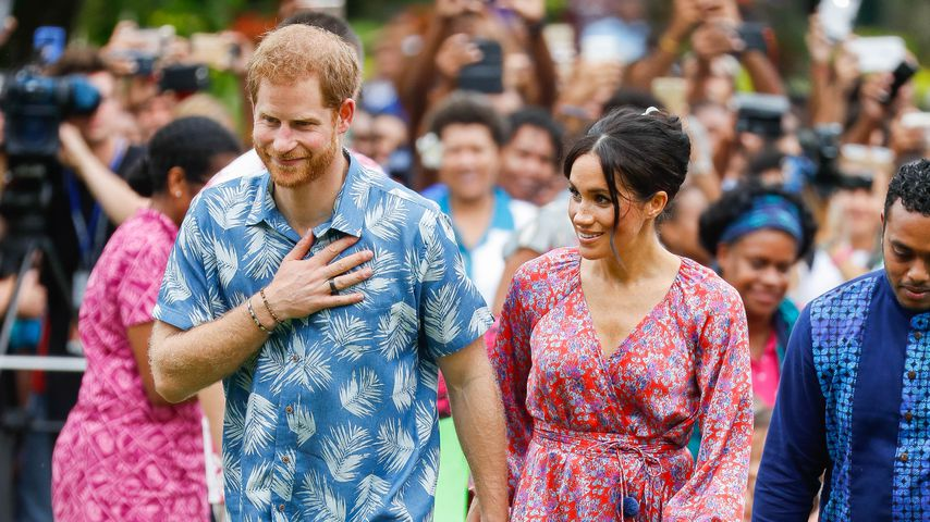 Unroyal im Hippie-Look: Meghan & Harry so lässig auf Fidschi