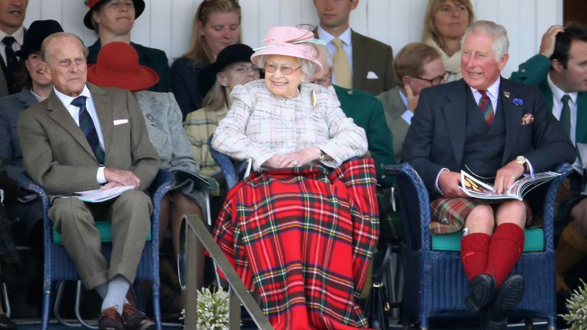 Prinz Philip, Queen Elizabeth II. und Prinz Charles in Schottland, September 2002