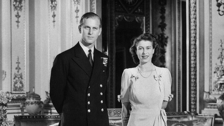 Prinz Philip und die Queen bei der offiziellen Ankündigung ihrer Verlobung