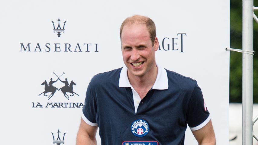 Prinz William bei einem Turnier im Beaufort Polo Club in der Nähe Londons