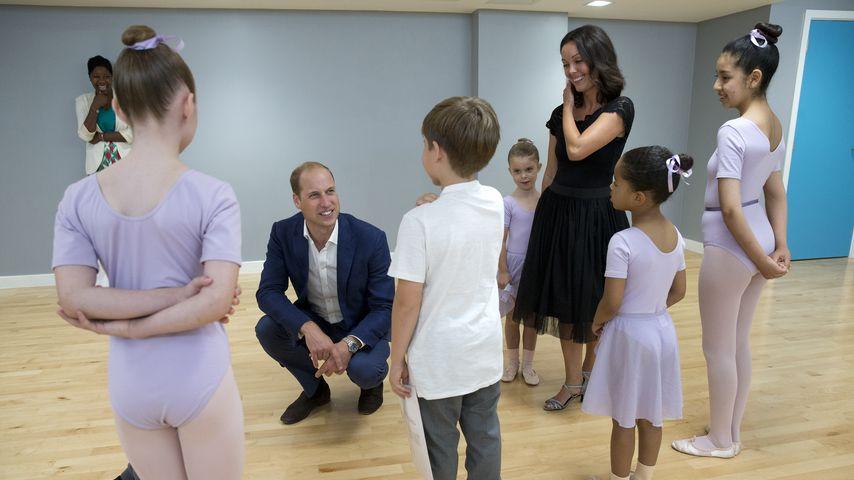 Prinz William im Caius House Jugendzentrum