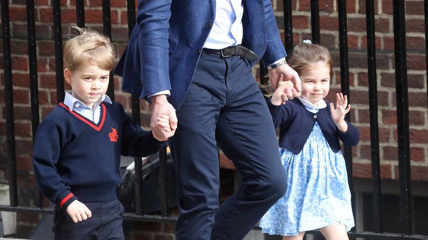 Prinz William mit Prinz George und Prinzessin Charlotte am St. Mary's Hospital