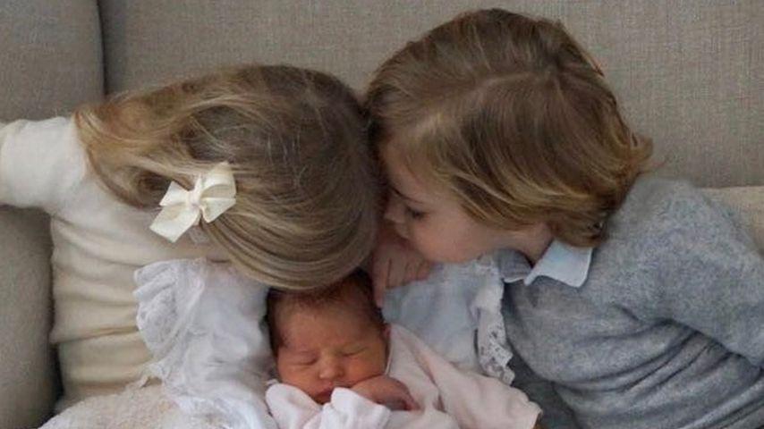 Prinzessin Leonore und Prinz Nicolas begrüßen ihre kleine Schwester Adrienne