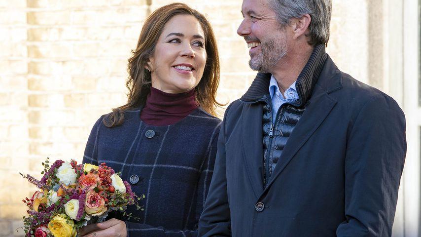 Total verliebt: Hier strahlt Prinzessin Mary Frederik an