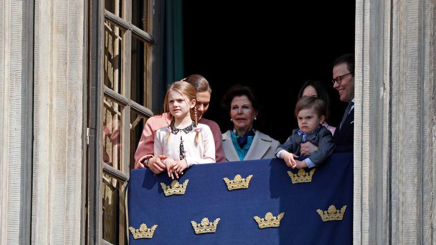 Prinzessin Victoria, Prinzessin Estelle, Königin Silvia, Prinz Oscar und Prinz Daniel