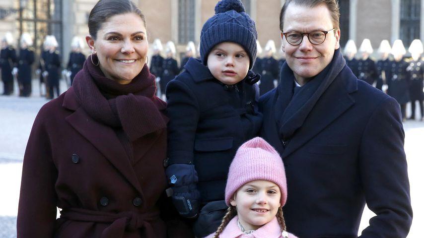 Prinzessin Victoria und Prinz Daniel mit ihren beiden Kindern Oscar und Estelle im März 2019
