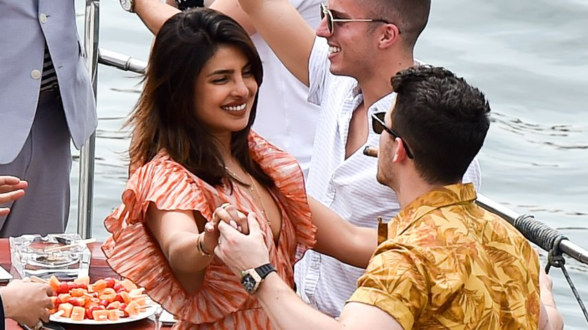Priyanka Chopra und Nick Jonas in Paris