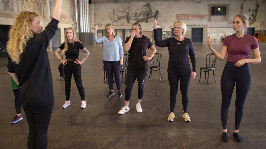 """Promi-Frauen von """"Showtime of My Life – Stars gegen Krebs"""" beim Training"""