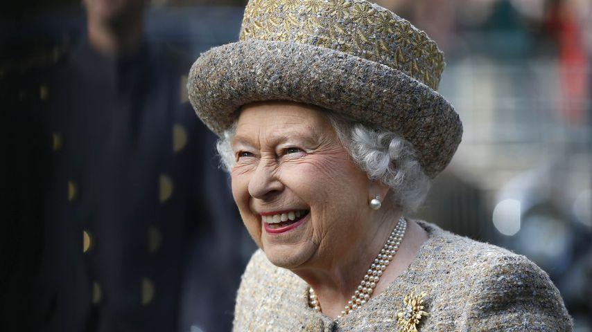 "Queen Elizabeth II. bei der Eröffnung des ""Flanders' Fields Memorial Garden"""