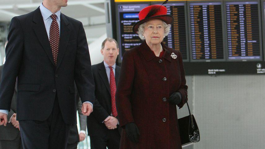 Queen Elizabeth II. am Flughafen in London, 2008