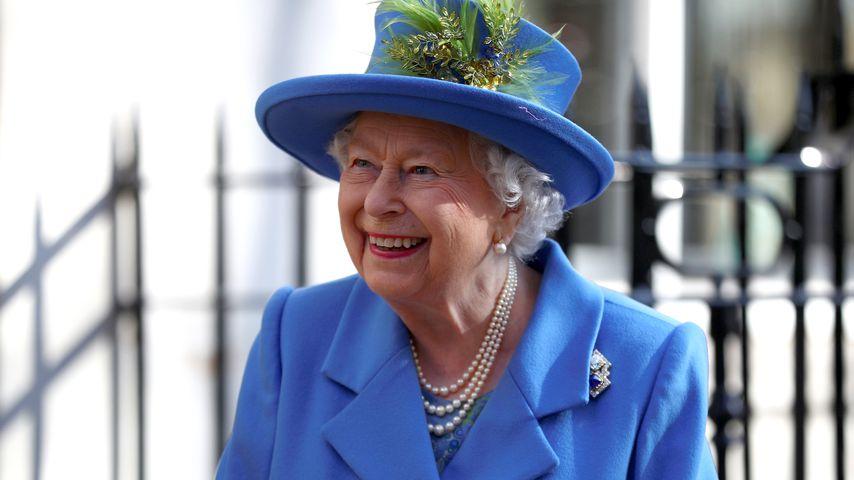 Auf Royal-Tour: Queen Elizabeth bekam Fake-Arm als Geschenk