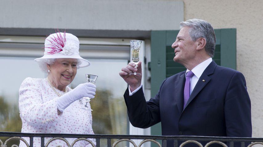 Queen Elizabeth II. und Joachim Gauck bei ihrem Staatsbesuch in Deutschland 2015