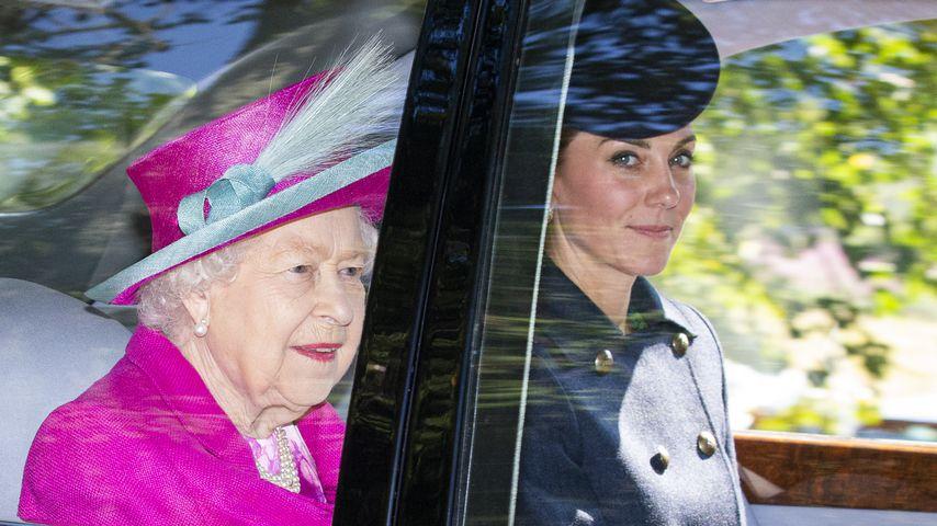 Queen Elizabeth II. und Herzogin Kate im August 2019