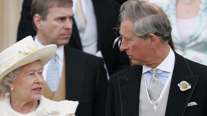 Queen Elizabeth II. und ihr Sohn Prinz Charles