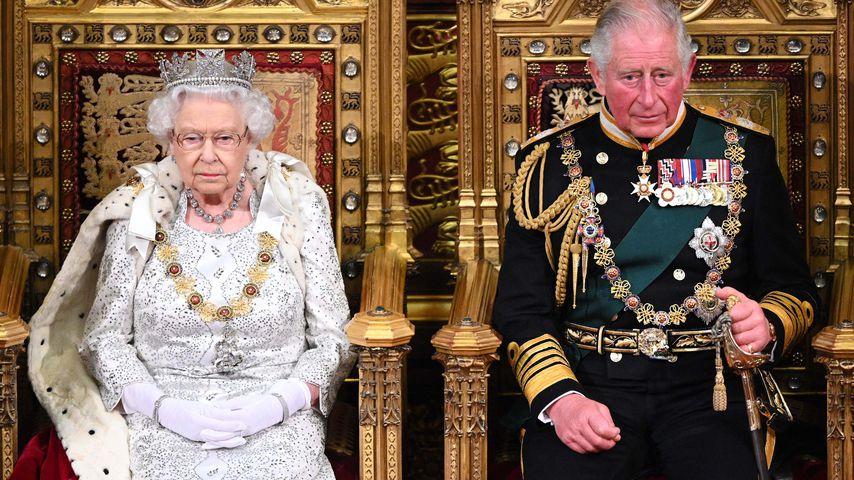 Queen Elizabeth II. und Prinz Charles bei der Parlamentseröffnung im Oktober 2019