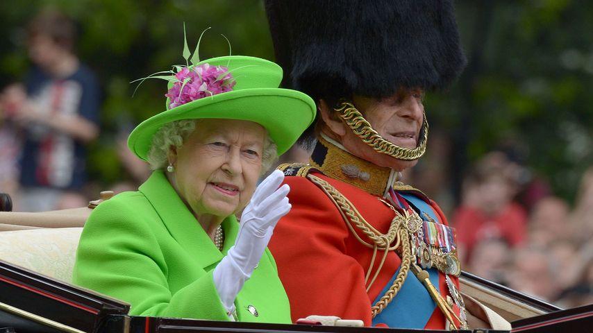 Queen Elizabeth II. und Prinz Philip bei der Trooping The Colour Parade in London