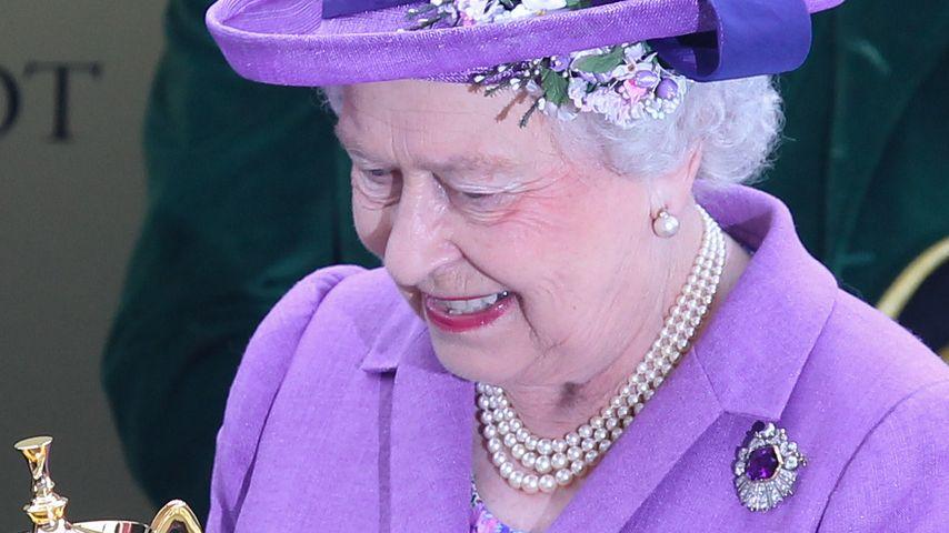 """Queen Elizabeth gewinnt beim """"Gold Cup"""" in Ascot"""
