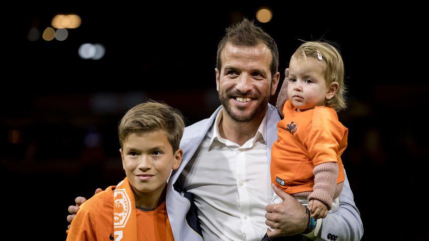 Rafael van der Vaart mit seinen Kindern Damian und Jesslynn