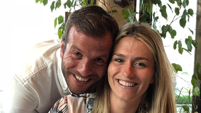 Knieverletzung: Rafael van der Vaart steht Estavana bei