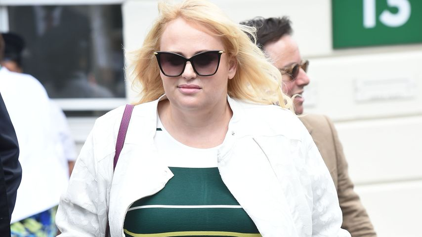 Rebel Wilson beim Tennis-Turnier in Wimbledon