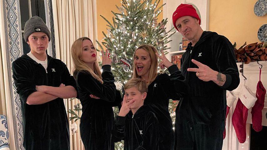 Reese Witherspoon mit ihrer Familie an Weihnachten 2020